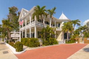 This grand historic mansion is the well-known La Pensione Guesthouse and Inn. Centrally located on the island of Key West, this Classic Revival home has 9 transiently licensed rooms with baths ensuite, off street parking, a large pool, laundry, kitchen, and managers apartment. Also included in the sale is a 3039sf vacant lot adjacent to the property. It offers great potential for expansion and allows the new owner to pursue many options to increase the property and business.