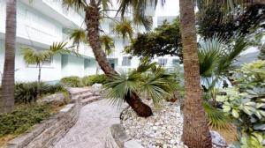 201 E Ocean Drive, 110, Key Colony, FL 33051