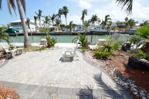390 4Th Street, Key Colony, FL 33051