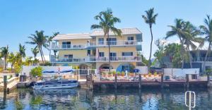 513 Caribbean Drive, Key Largo, FL 33037