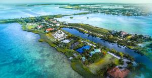 58-60 Cannon Royal Drive, Shark Key, FL 33040