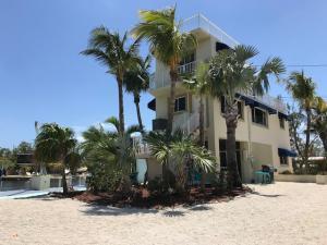 1 Sunset Boulevard, Key Largo, FL 33037