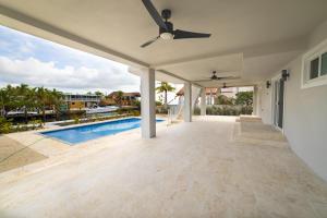 66 S Andros Road, Key Largo, FL 33037