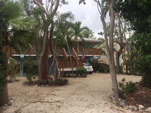 675 N Lake Drive, Key Largo, FL 33037