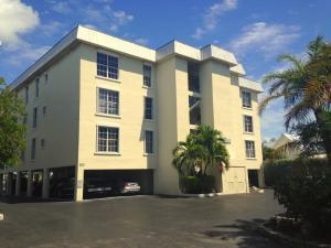 833 Eisenhower Drive, 302, Key West, FL 33040