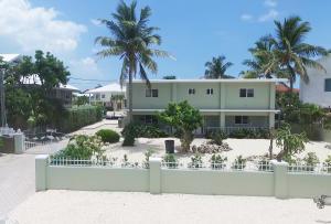 464 Bahia Avenue