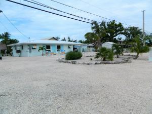 466 W Shore Drive