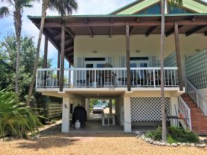 250 4Th Street, Key Colony, FL 33051