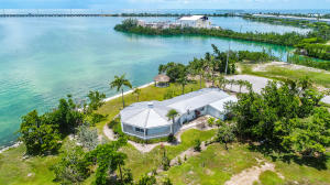 102 N Indies Drive, Duck Key, FL 33050