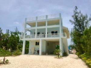 66 Jean La Fitte Drive, Key Largo, FL 33037