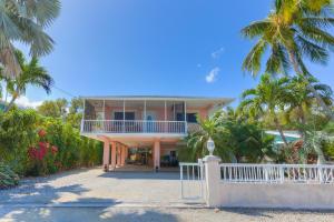 105 Marina Avenue, Key Largo, FL 33037