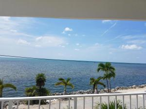 154 Sea Lane, Geiger Key, FL 33040