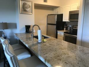 Granite & Stainless appliances