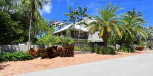 6 North Drive, KEY LARGO, FL 33037