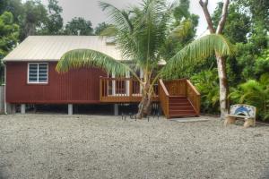 17 Dolphin Road, Key Largo, FL 33037
