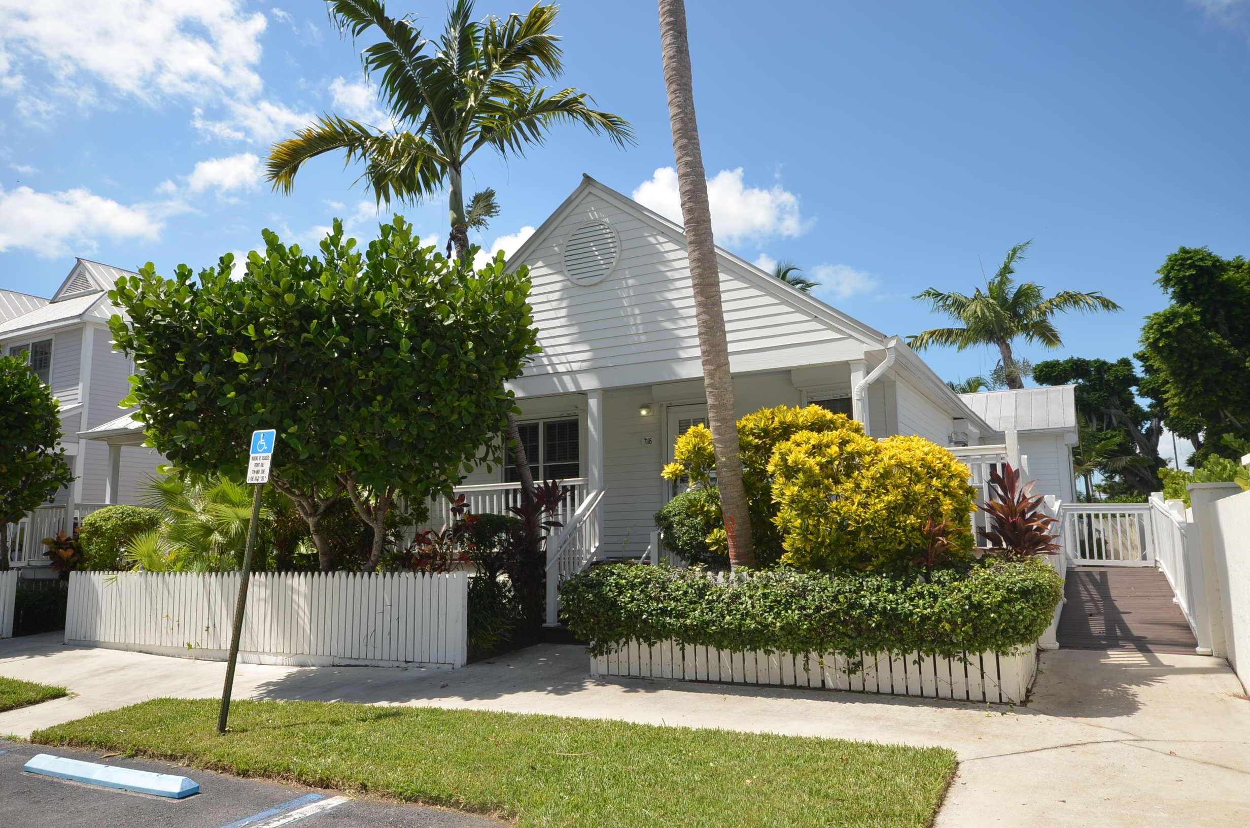 7105 Harbor Village Drive