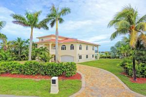 16705 Tamarind Road, Sugarloaf Key, FL 33042