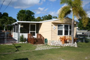 17 Avenue C, Key Largo, FL 33037