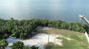 120 N Bounty Lane, Key Largo, FL 33037