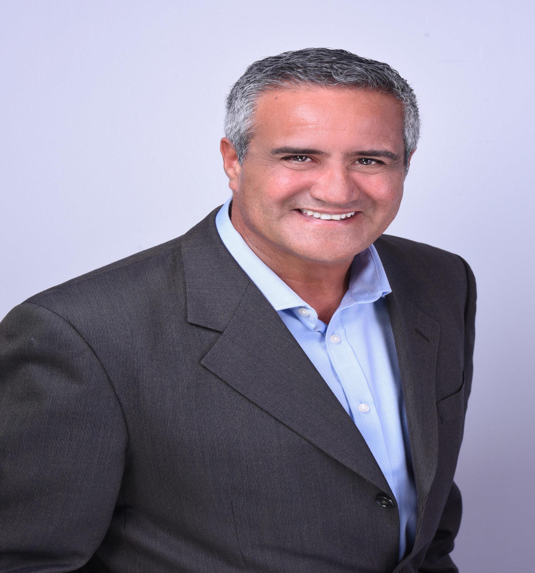Raul Hernandez agent image