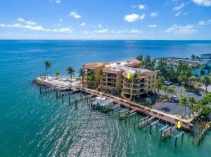 101 E Ocean Drive, C401, Key Colony, FL 33051