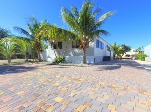 32 Gordon Circle, Key Largo, FL 33037