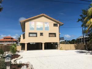 26 Corrine Place, Key Largo, FL 33070
