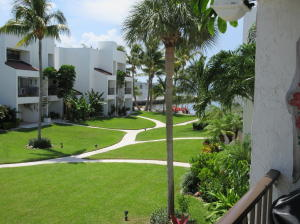 balcony view of courtyard and Ocean view