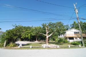 132 Pacific Avenue, Key Largo, FL 33070