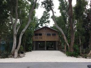 130 Gumbo Limbo Drive, Key Largo, FL 33037