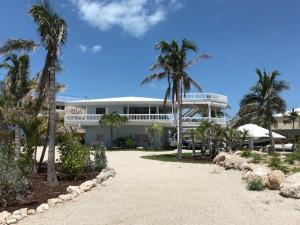 707 Grouper Lane, Key Largo, FL 33037