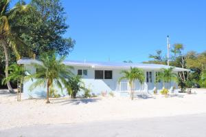 424 Collins Street, Key Largo, FL 33037