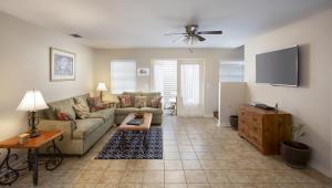 1075 Duval Street, R10, Key West, FL 33040