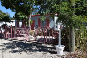 2 Tina Place, Key Largo, FL 33037