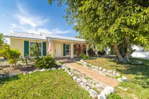 24 Emerald Drive, Big Coppitt, FL 33040