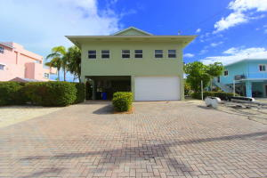124 W Plaza Del Sol, Lower Matecumbe, FL 33036