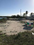 20 Calle Uno Street, Rockland Key, FL 33040
