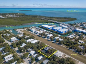 181 N Airport Road, Plantation Key, FL 33070