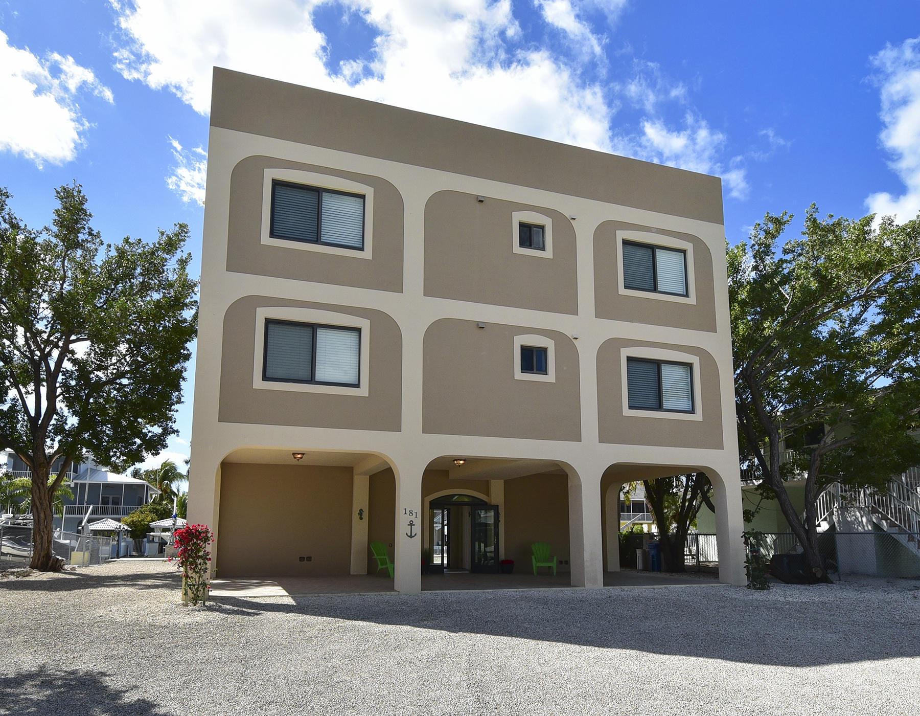 181 Lorelane Place