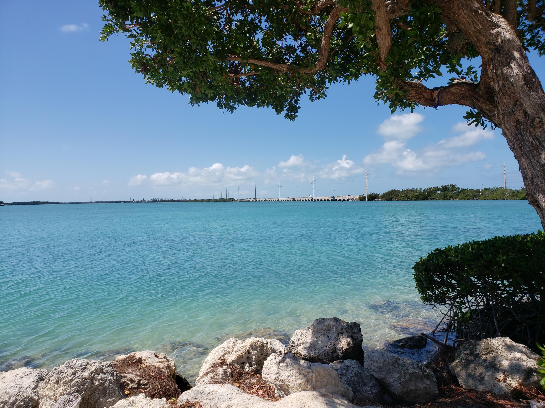 5005 Sunset Village Drive Hawks Cay