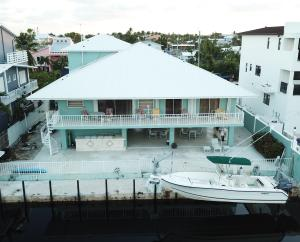 130 Marina Avenue, Key Largo, FL 33037