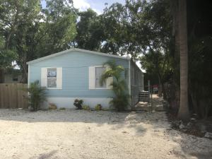 11 Oakwood Avenue, Key Largo, FL 33037