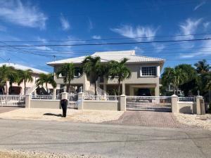 12 Corrine Pl Place, Key Largo, FL 33037