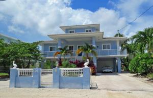126 Lorelane Place, Key Largo, FL 33037
