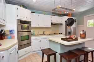 241 Buttonwood Shores Drive, Key Largo, FL 33037