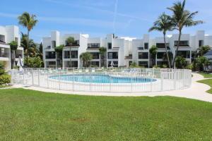 601 W West Ocean Drive, Key Colony, FL 33051