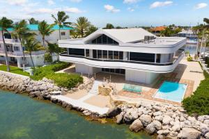 557 Ocean Cay Drive, KEY LARGO, FL 33037