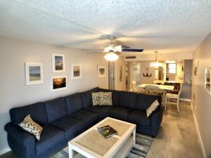 201 E Ocean Drive, 102, Key Colony, FL 33051