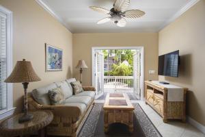 36 Coral Way, Stock Island, FL 33040