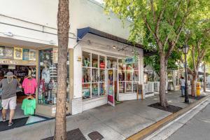 607 Duval Street, KEY WEST, FL 33040